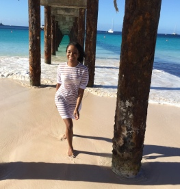 carlisle_bay_barbados_walking_under_the_jetty